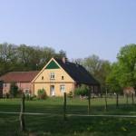 k-Hof v. Feldweg b Sonne